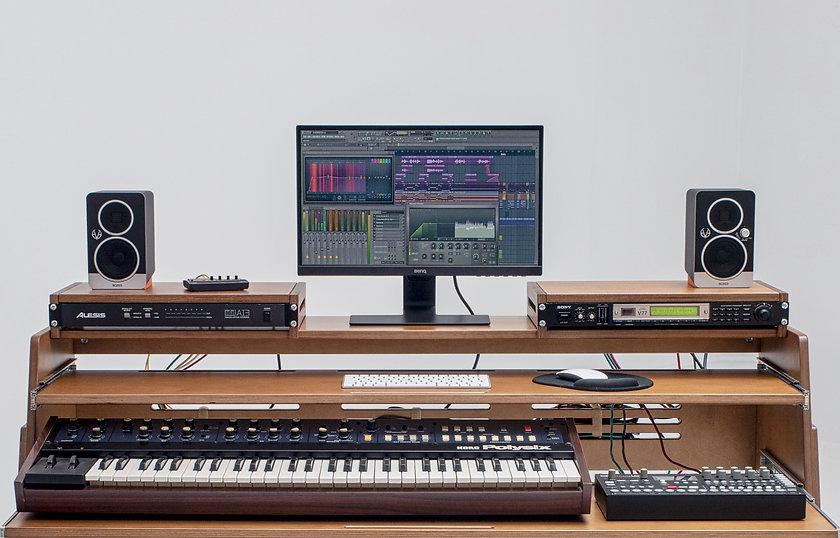audiohousing_rack_X_08c.jpeg