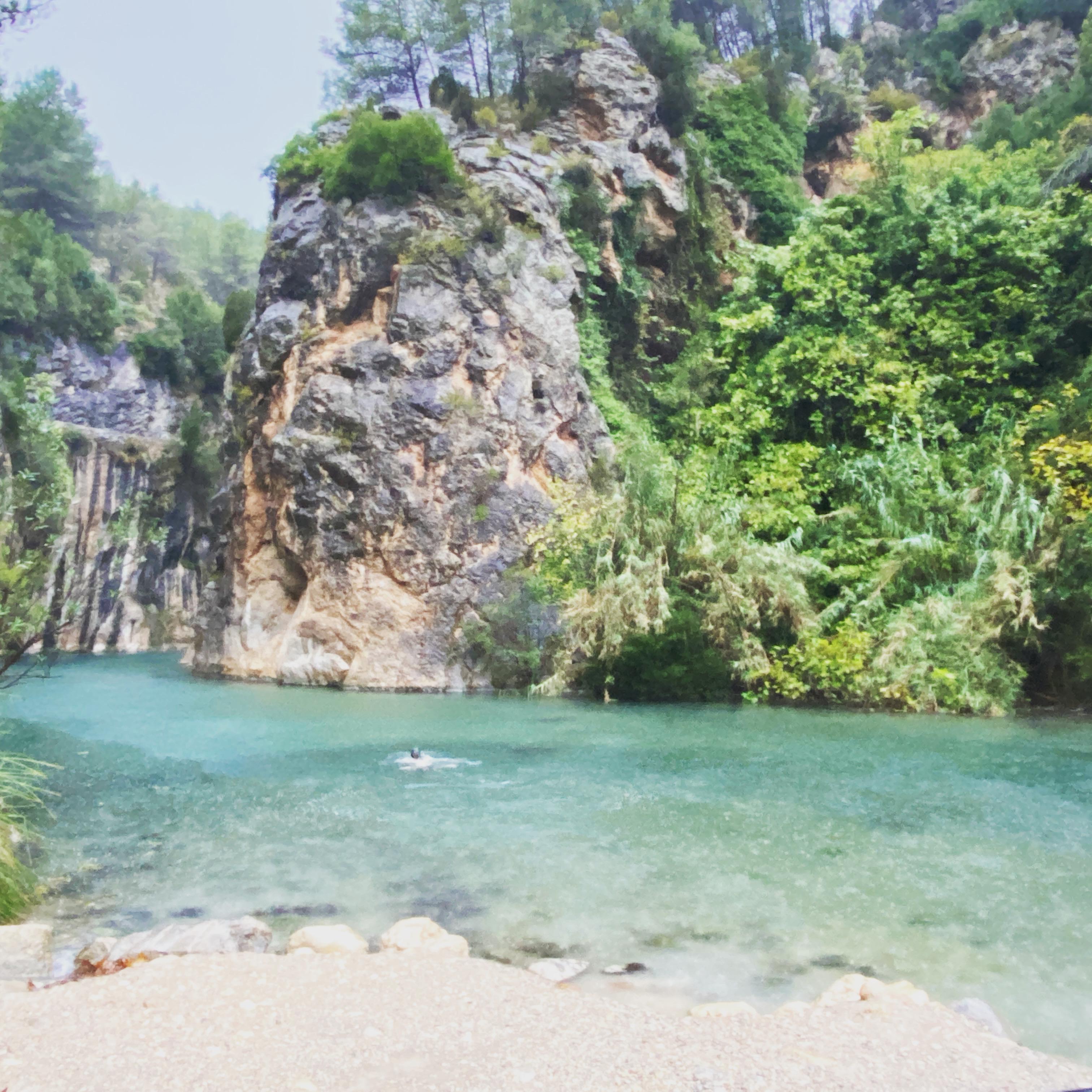 Natuurlijke warme waterbron
