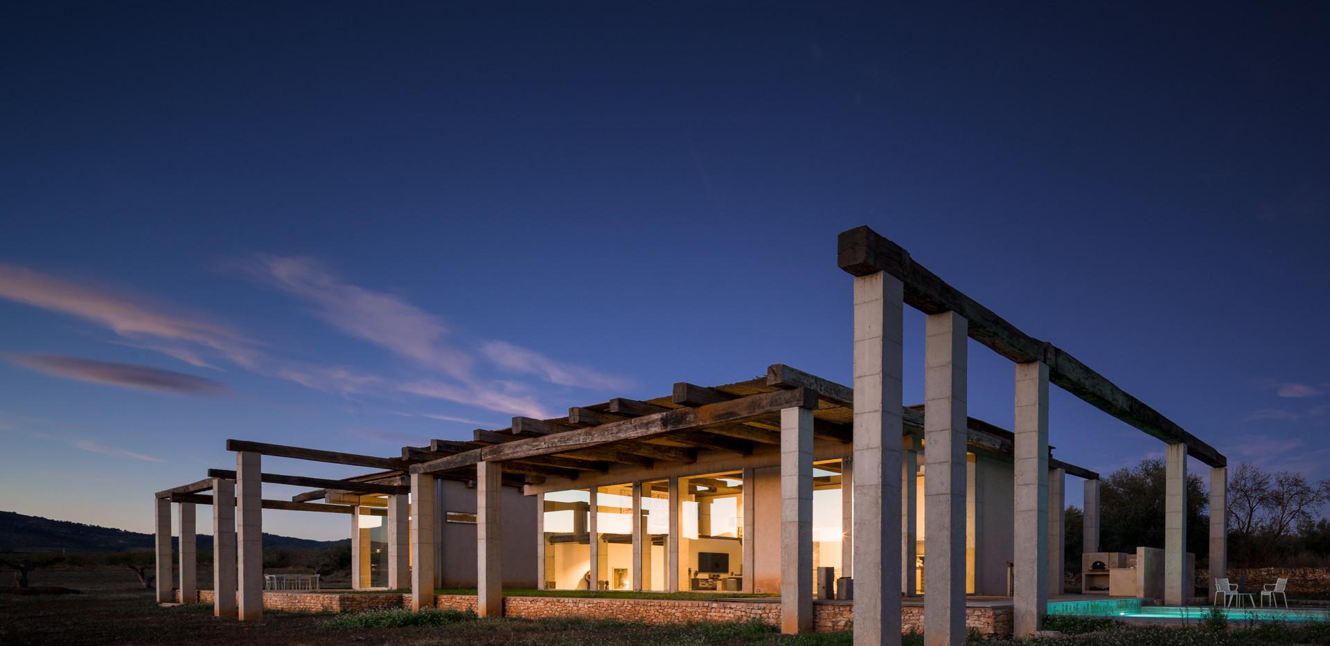 East wing villa