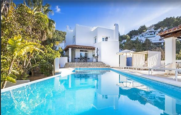 Villa Ibiza mit Pool Aussenansicht