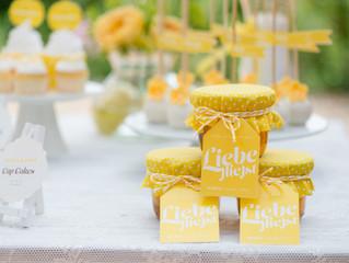"""Heiter und fröhlich – das neue Hochzeitsset """"Sunny Side"""" in gelb"""