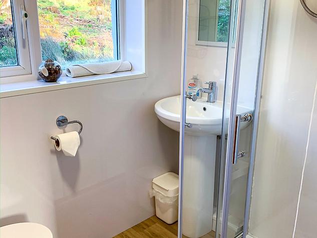 Shower room, chalet 5 ('Glen Creran')