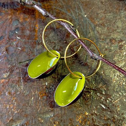 SPRING GREEN SMALL PISTACHIO EARRINGS