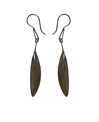 SMALL BLACK LEAVES EARRINGS