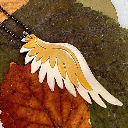 EROS FEATHERS NECKLACE