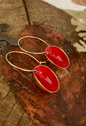 LOVE RED SMALL PISTACHIO EARRINGS