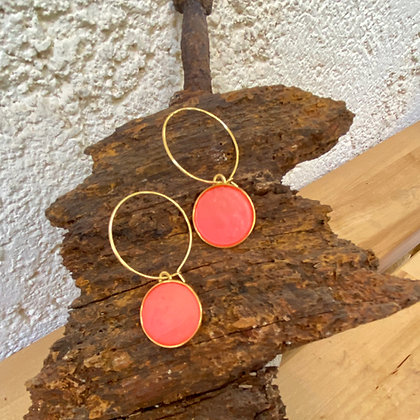 CORAL ROUND DEEP COLOR EARRINGS