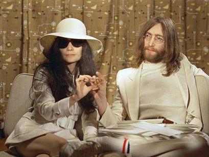 Qual foi o maior sucesso de John Lennon fora dos Beatles?