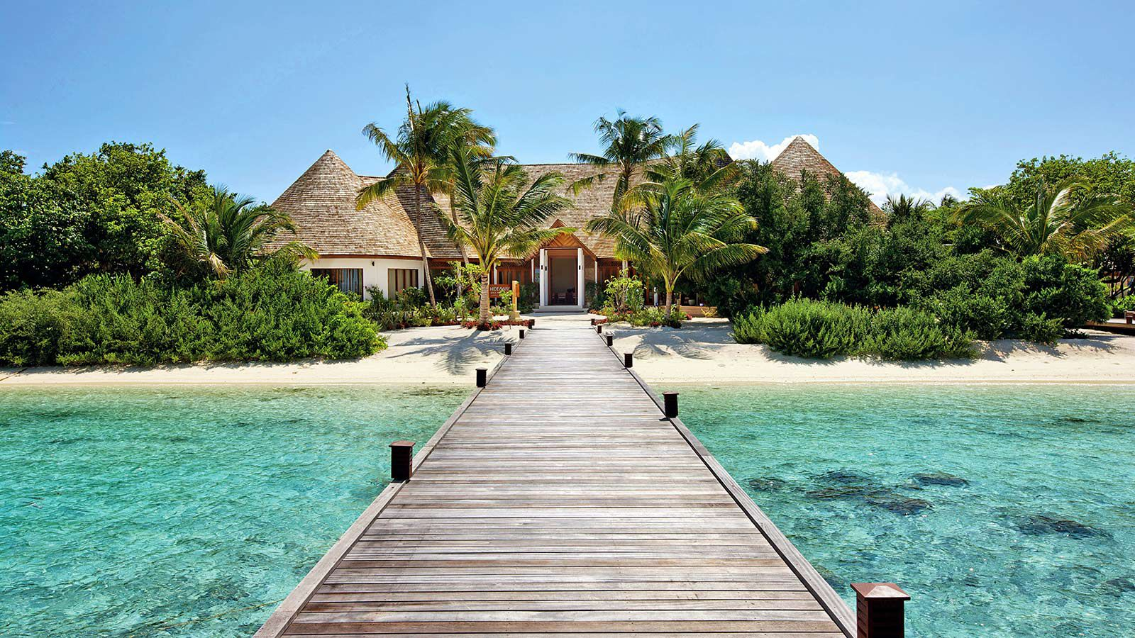 Hideaway-Maldives-reception-3