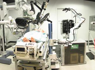 Robotic vs Human Surgery