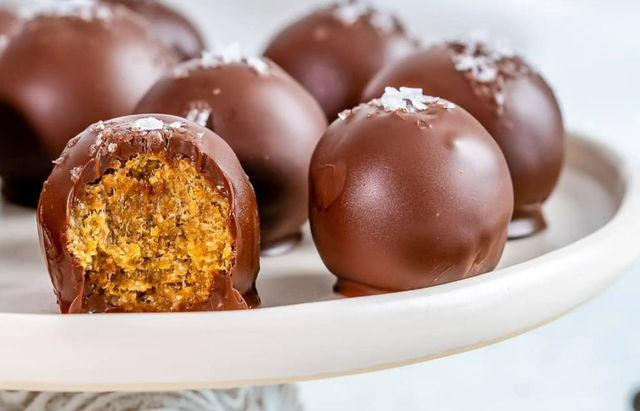 Chocolate Pumpkin Balls 🎃