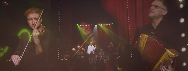 Frank Valentino Live 01.jpg