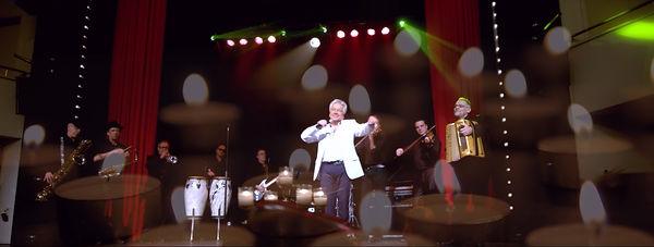 Frank Valentino Live 02.jpg