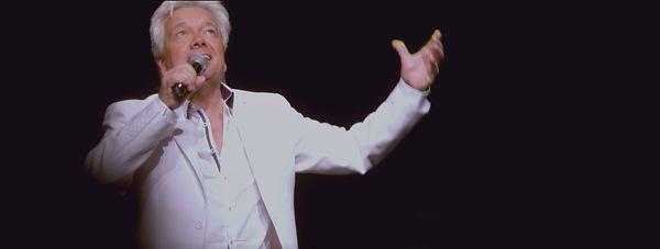 Frank Valentino Live 03.jpg