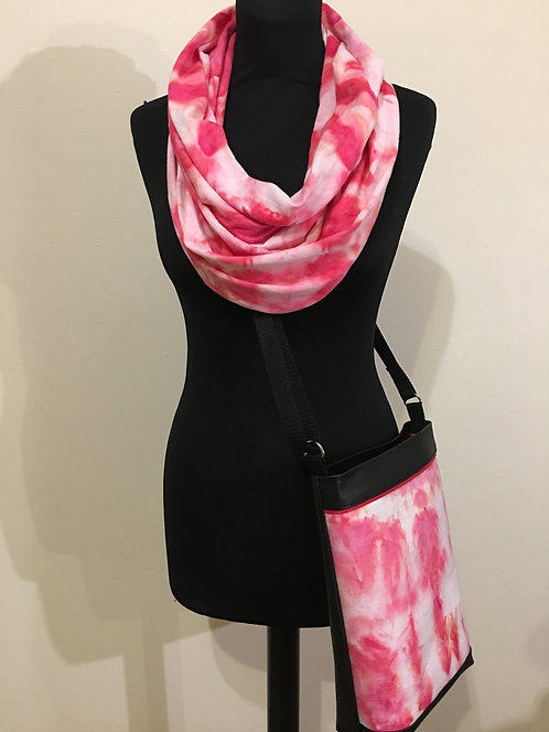 Set - middle size crossbody handbag and infinity scarf