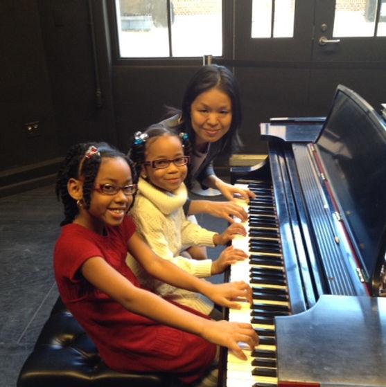 K, Anaiz, and Maya .JPG