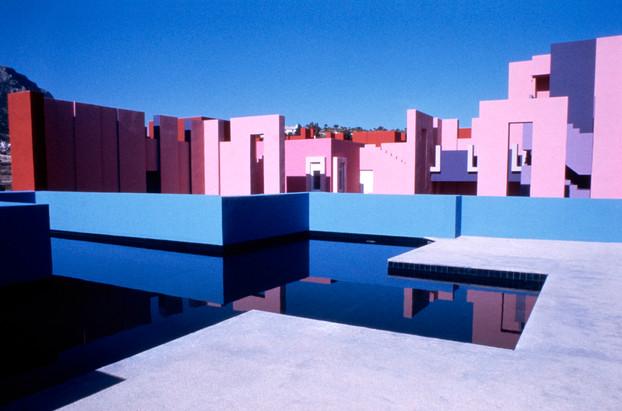 La Muralla Roja Calpe, Spain Architect: Ricardo Bofill,  Year: 1968 Photographs: Ricardo Bofill