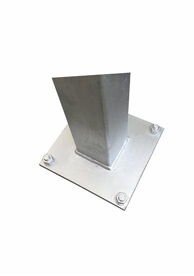 100/100 mm Industrie-Pfosten Wandstärke: 2 mm mit Fußplatten