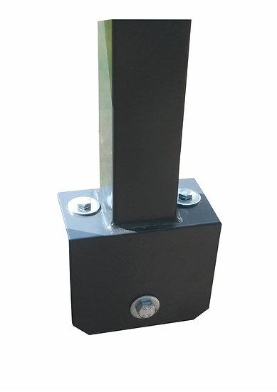 100/100 mm Industrie-Pfosten Wandstärke: 2 mm mit L-Stein Fußplatten