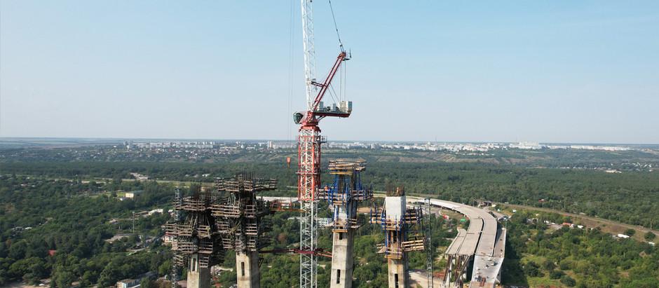 Мостобудівники завершили бетонування першої захватки на обох гілках пілону