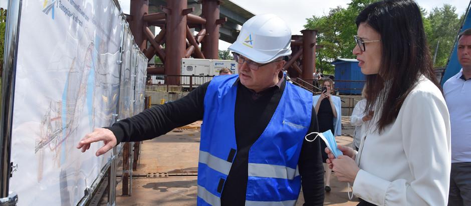 Будівництво запорізьких мостів відвідала голова Антимонопольного комітету України