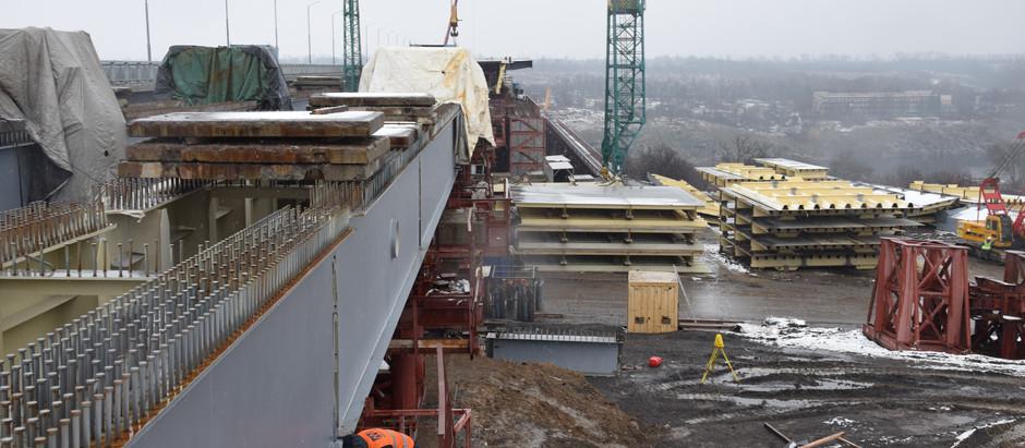 Готові до насування: як просуваються роботи на будівництві запорізьких мостів