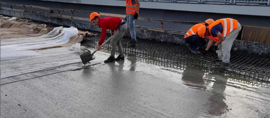 У Запоріжжі мостобудівники закінчили бетонування чергової захватки на підходу до балкового мосту