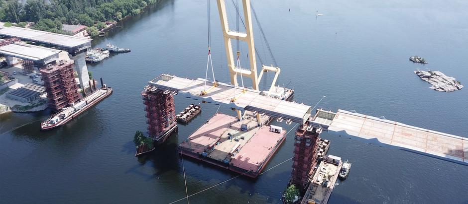 LK-800 повернувся до роботи: сьогодні було змонтовано другу секцію вантового мосту