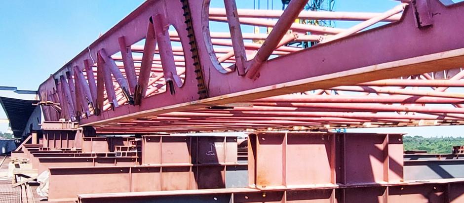 Стартував останній етап насування прогонової будови балкового мосту