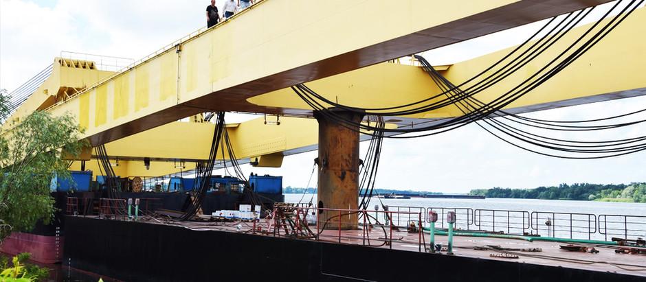 Плавкран LK-800 вже у Запоріжжі: коли стане до роботи