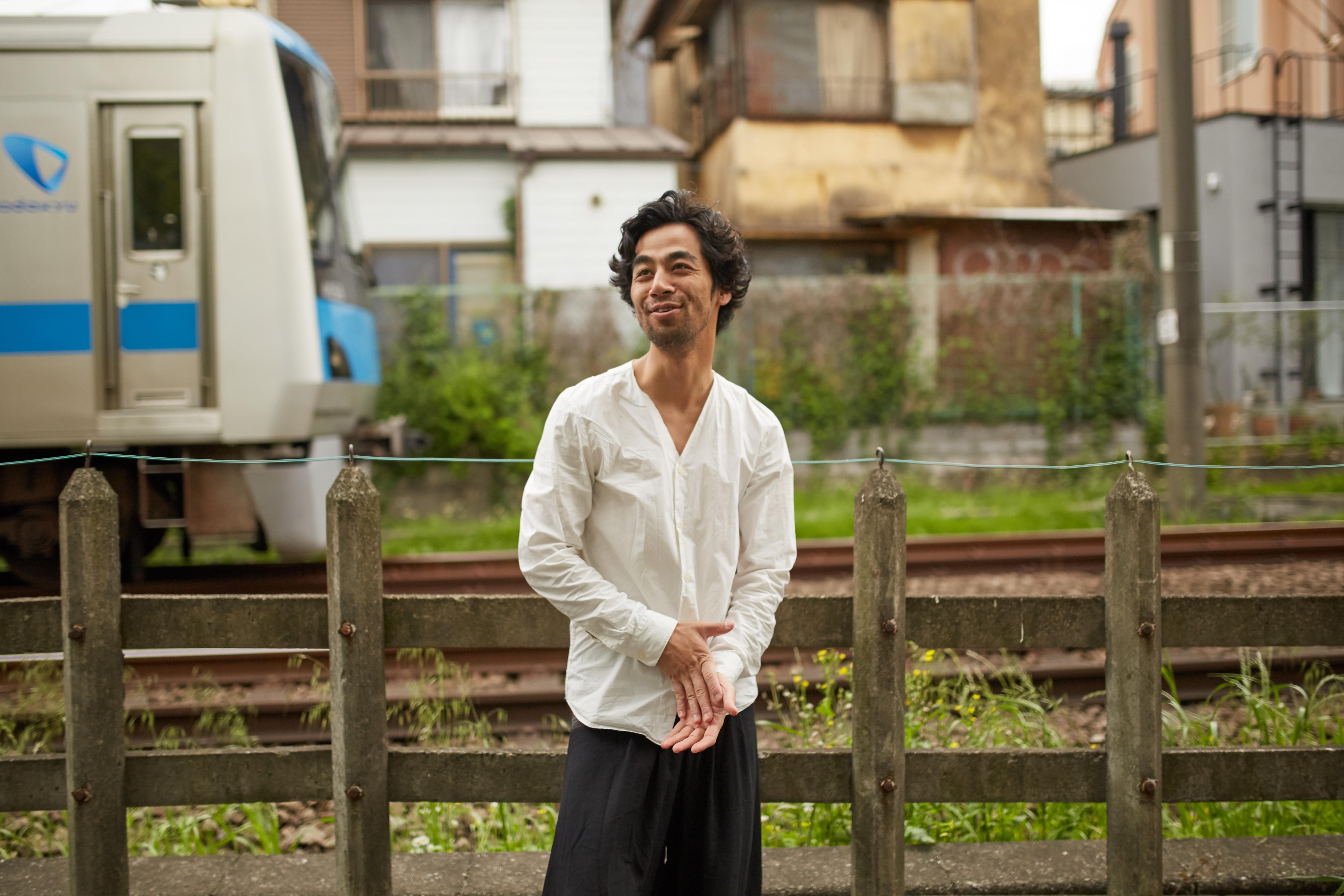 彼は日本語を小田急線の駅の名前で覚えた