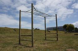 Straight monkey bars