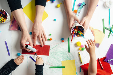 early-childhood-educators-and-kids-craft