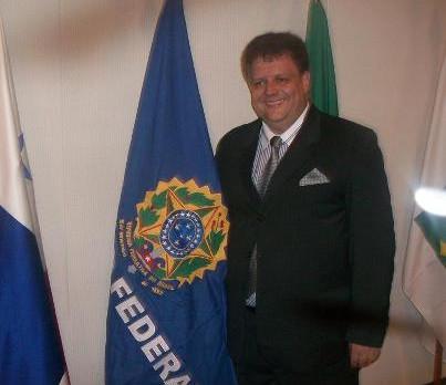 O Prof. Dr. Leonel Aguiar chega no SENADO FEDERAL para a condecoração JK.