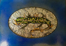 Lizard 22x15 smalti and glass in hand en