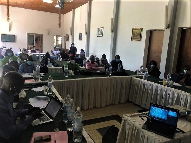 Cameroon border health officials receiving training