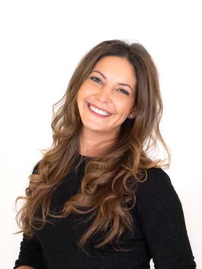 Laura Marco MARKETING MANAGER