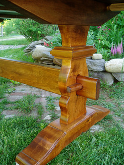 """""""Vase French Colonial"""" Trestle"""