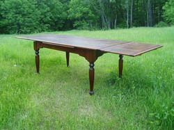 """1e) """"Sto-away"""" table"""
