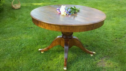 Duncan Phyfe inspired round table