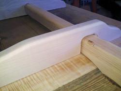 Ash leaf slide for trestle table