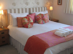 Hotel cushions, bed runner set