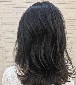 重く見えがちな髪はハイライトカラーで軽さを☆