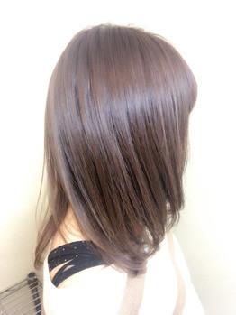栄養を髪の内部にいれてコーティングするので、 カラーの持ちもよくなり、トリートメントの効果も持続