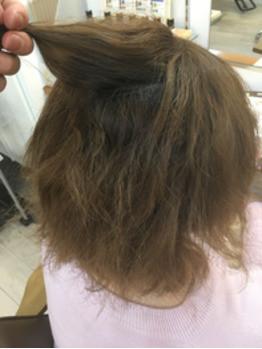 髪の強いクセ