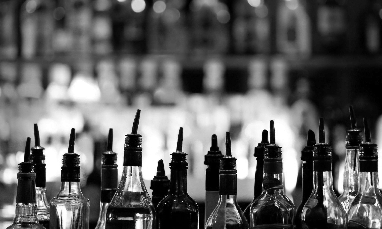 Liquor_SplashBW.jpg