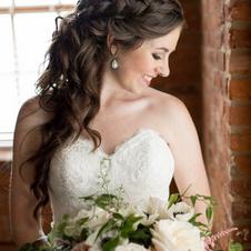 Brida Hair & Airbrush Makeup