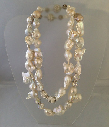 Outrages , Spectacular , Large Baroque Pearls
