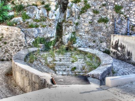 """The Old Public Laundry """"I Canaje"""" in Pacentro (antico lavatoio pubblico)"""