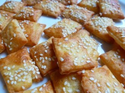 cheddar crackers.jpg